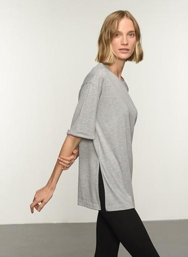 People By Fabrika PFKAW21TS0008 Oversize Yırtmaçlı Coton Tişört Gri